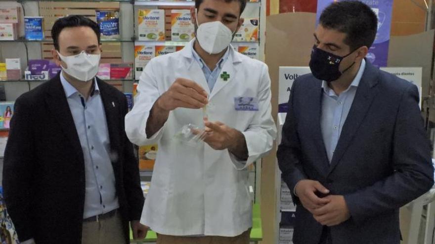 124 farmacias ourensanas dispensan ya los kits de test de saliva del COVID-19