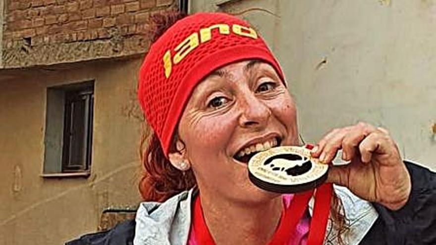 La alzireña     Encarna Fernández  conquista las 100                                 millas valencianas