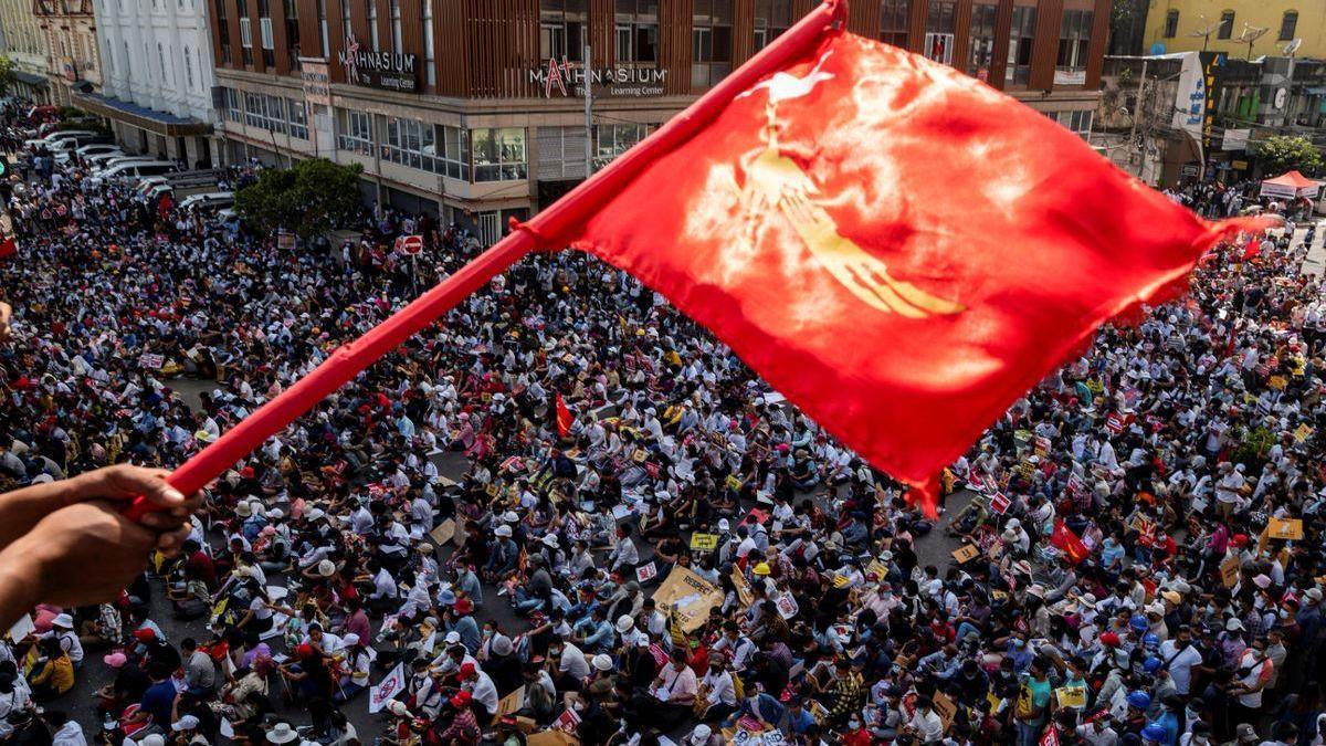 Birmania intensifica las protestas democráticas y la ONU alerta de un desenlace fatal
