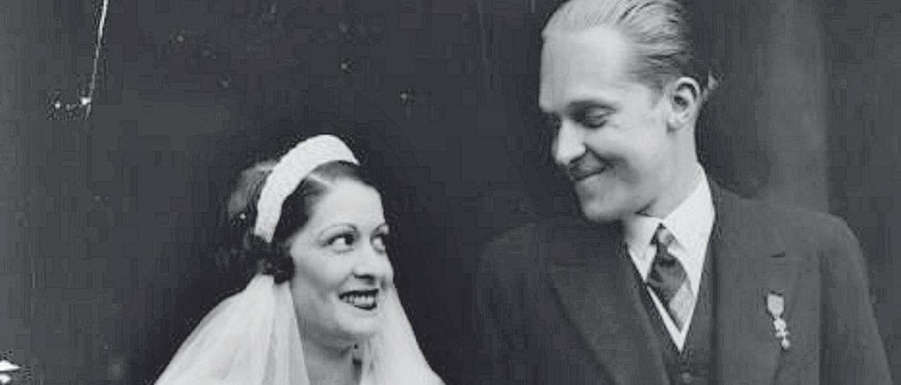 La foto de boda de Edelmira Sampedro y Alfonso de Borbón en Lausana (Suiza)
