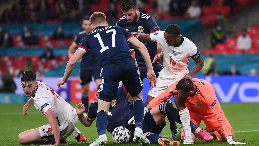 Escocia frena a Inglaterra