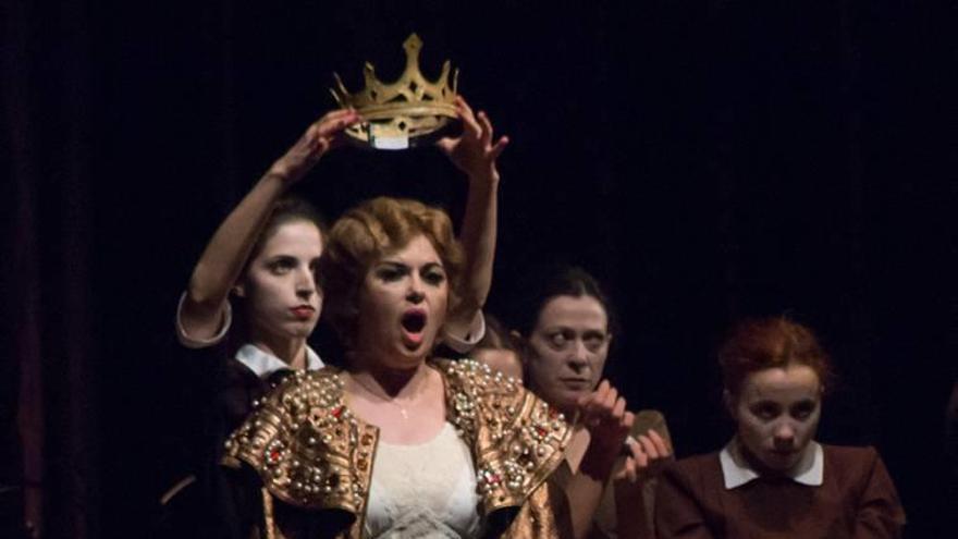 """""""La voz de Lady Macbeth debe hablar de ella como el personaje malvado que es"""""""