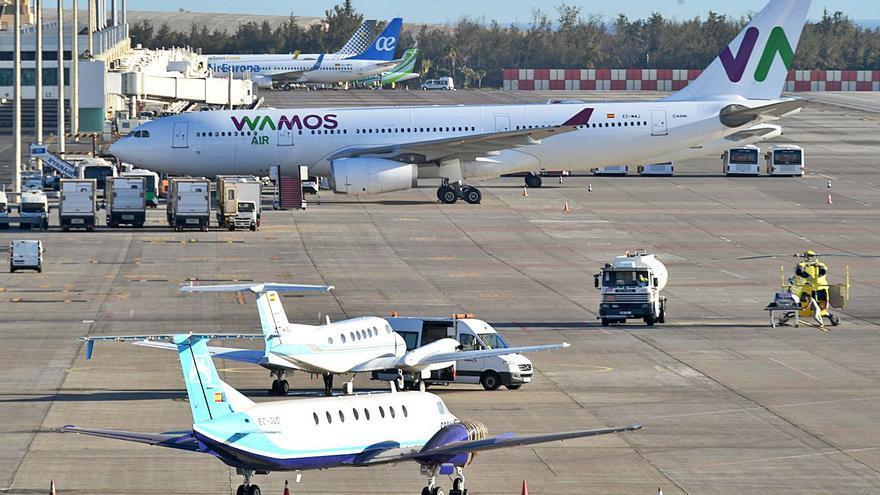 Los aeropuertos canarios reciben la certificación de seguros frente al covid