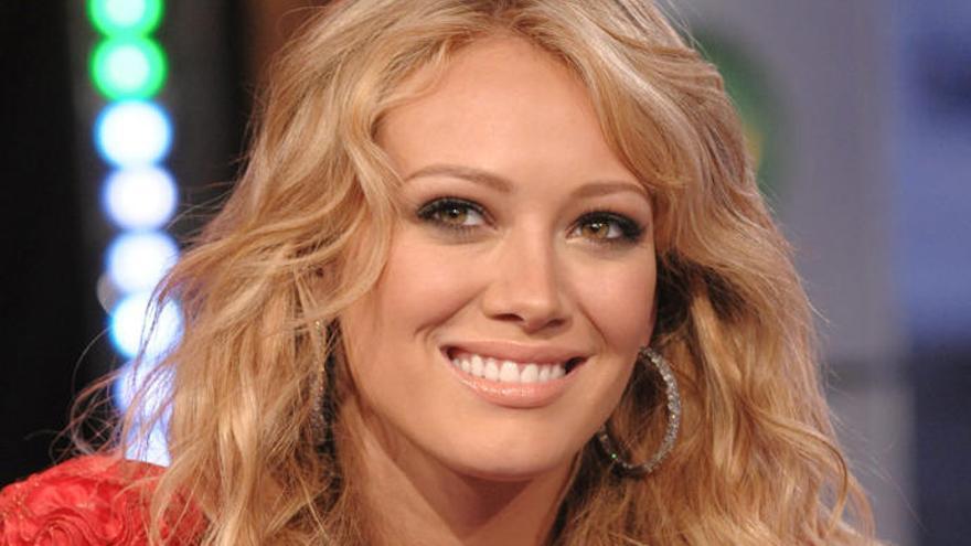 Hilary Duff está orgullosa de su celulitis