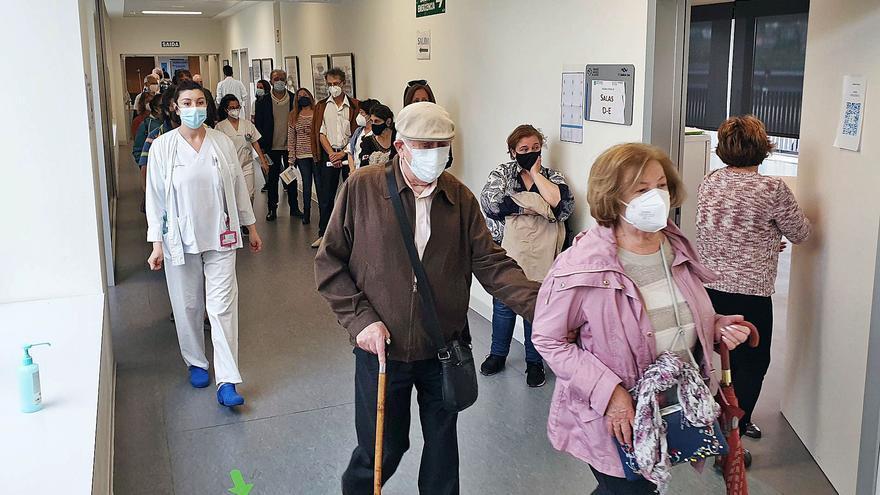 Vacunación masiva en Vigo en plena Semana Santa: casi 6.000 dosis en dos días
