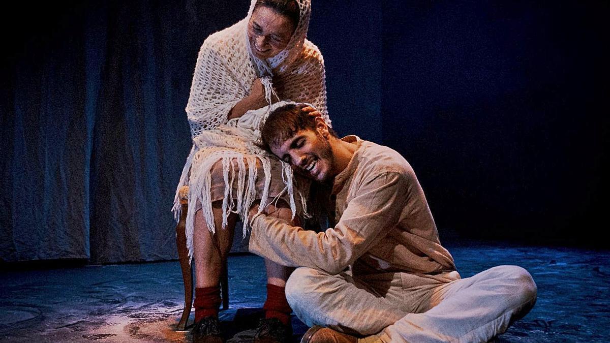 Escena de la obra de 'Fábula del topo, el murciélago y la musaraña', de Delirium Teatro.