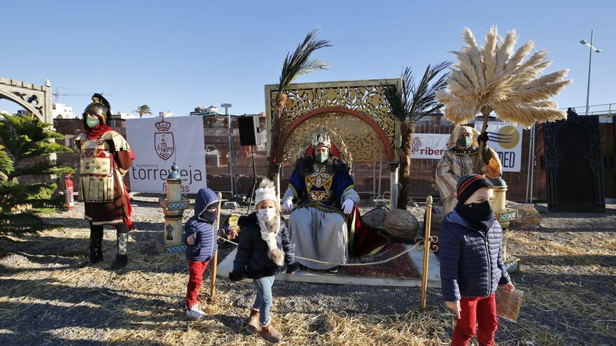 Apertura del Campamento Real de sus Majestades los Reyes Magos en el recinto portuario de Torrevieja