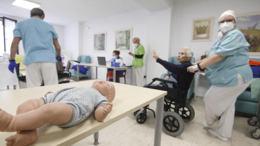 Salud suprime los tests aleatorios de covid a los mayores de las residencias de Andalucía