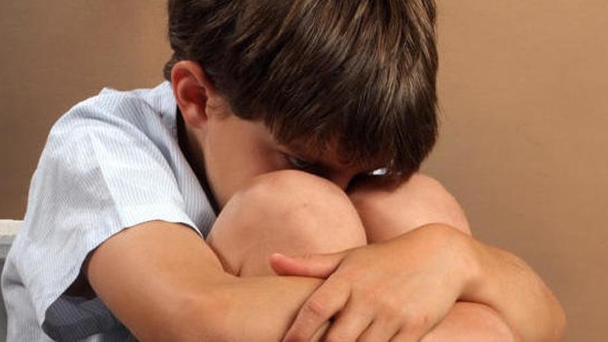 Un de cada deu pares reconeix haver pegat als fills durant el confinament