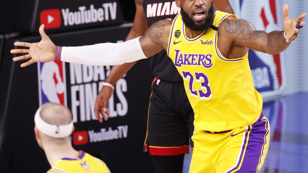 El jugador de Los Angeles Lakers LeBron James.