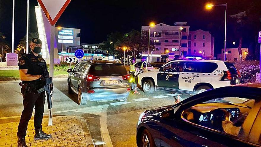 Controles antibotellón de la Guardia Civil en Palmanova y Magaluf
