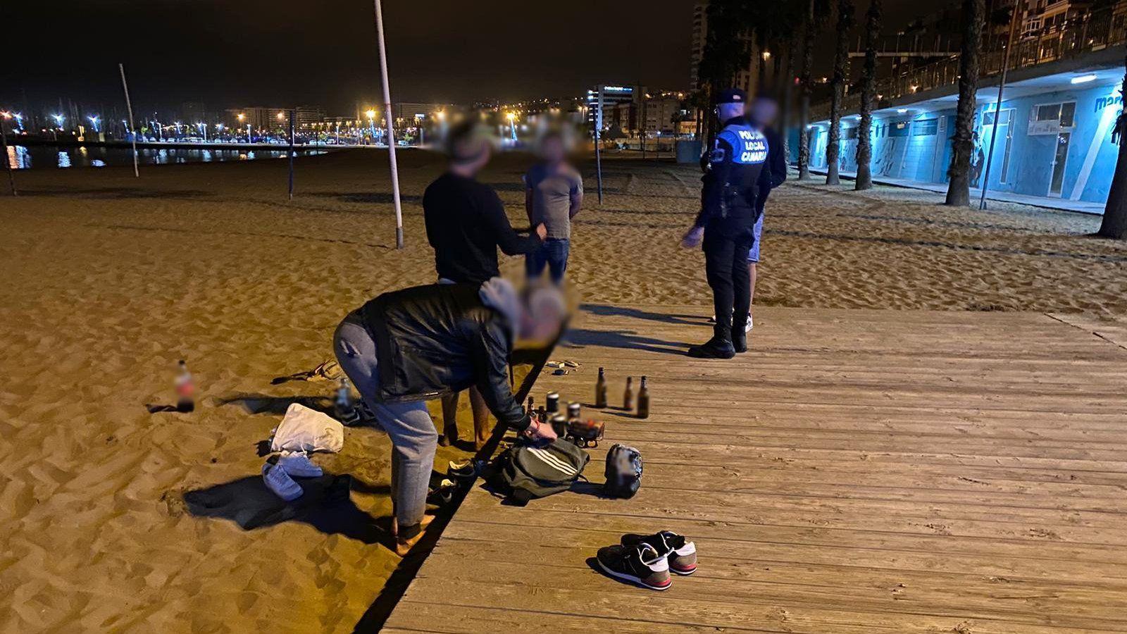 Hasta 35 denuncias por ir sin mascarilla en Las Palmas de Gran Canaria