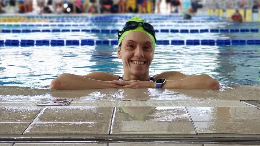 La ginecòloga valenciana que aspira a nadar en una paralimpíada