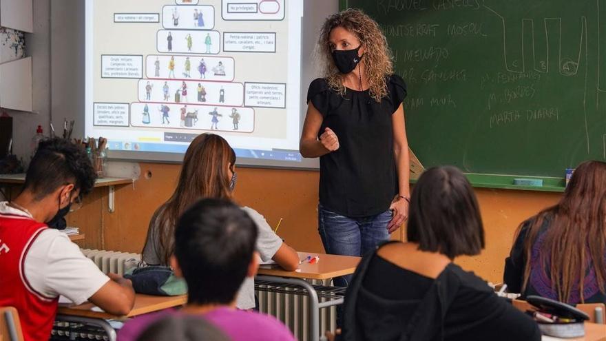 CSIF denuncia que los docentes cordobeses cobran entre 130 y 166 euros menos al mes que la media nacional