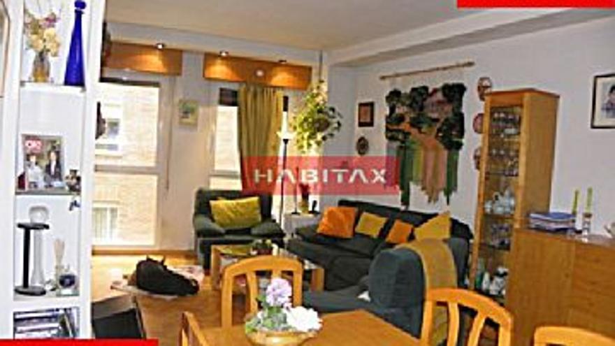 230.000 € Venta de piso en centro (Zamora) 100 m2, 3 habitaciones, 2 baños, 2.300 €/m2...