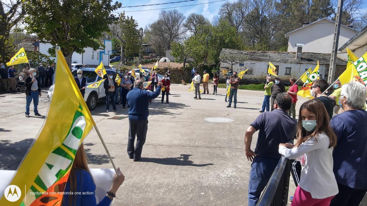 Protesta para reclamar la apertura de consultorios médico en Sagallos