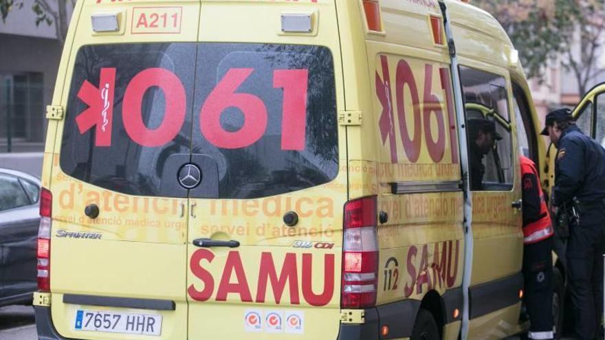 Rescatan a una mujer herida tras caer por un desnivel de unos 10 metros en Génova