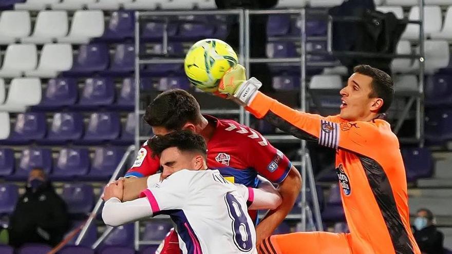 El Valladolid reacciona a tiempo y empata ante el Elche