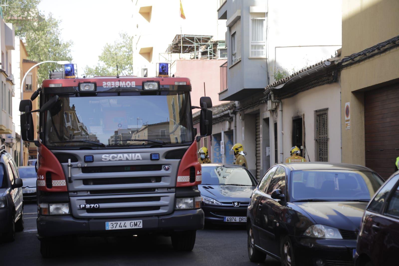 Una persona sufre quemaduras graves en un incendio en La Soledat