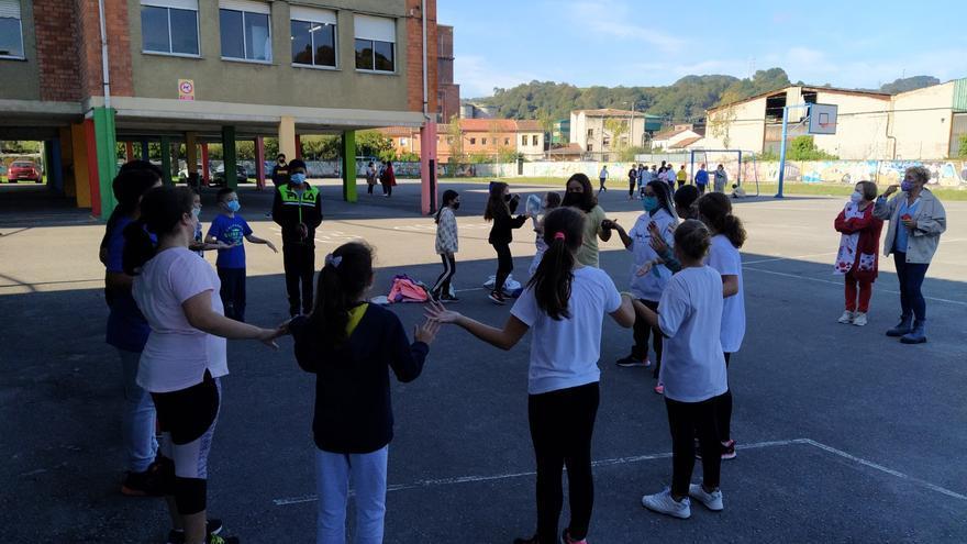 """La normalidad aún no llega del todo a los recreos: mucha """"cautela"""" en la mayoría de centros asturianos"""