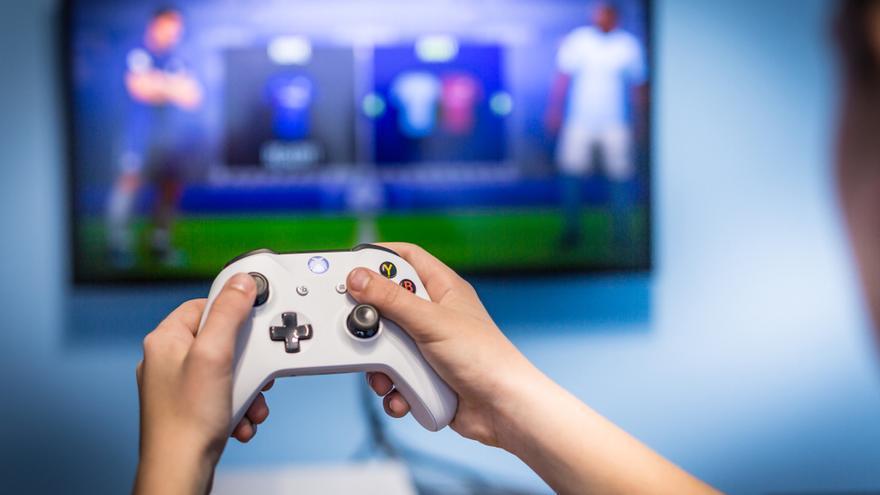 Jugar a videojuegos alivia en un 30% el dolor en los niños con cáncer