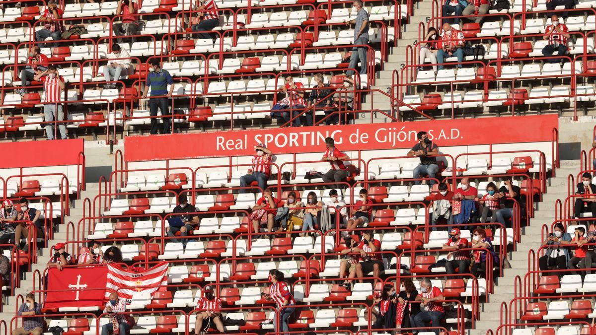 El partido del Sporting y la vuelta de la afición a El Molinón, en imágenes