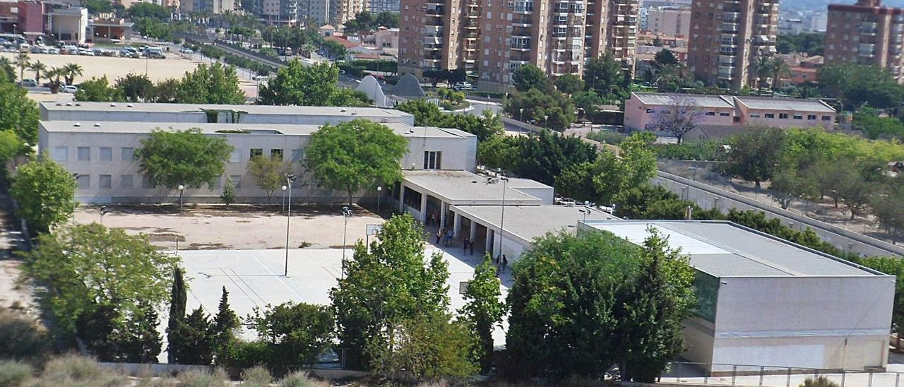El IES Enric Valor, donde se imparte el único grado de FP de El Campello.  | J.A.RICO