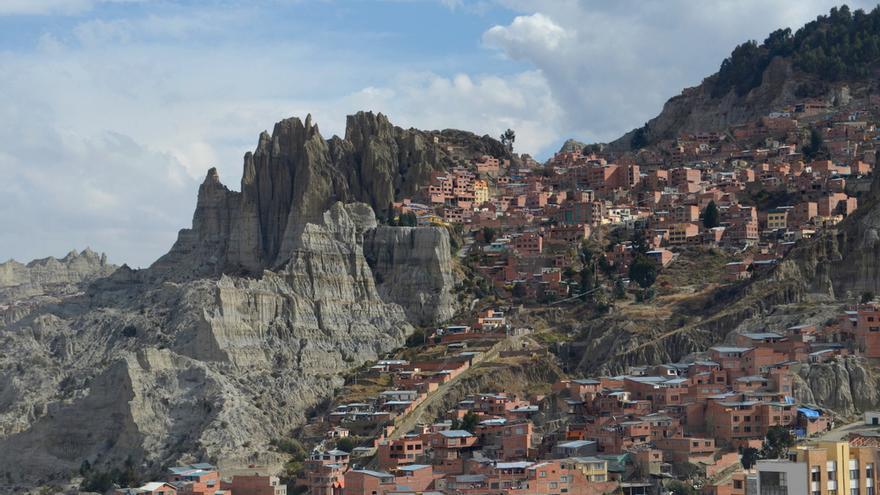 Un rayo mata a una mujer y sus dos hijos cuando iban a un cumpleaños en Bolivia