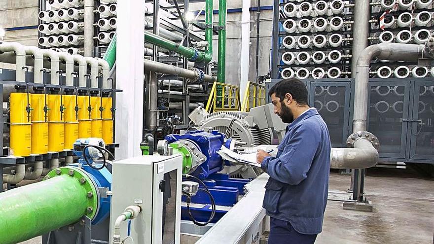 El Consorcio instala una nueva red para garantizar el suministro de agua al Cotillo