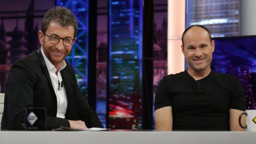 Mateu Lahoz saca tarjeta roja a Motos en El Hormiguero