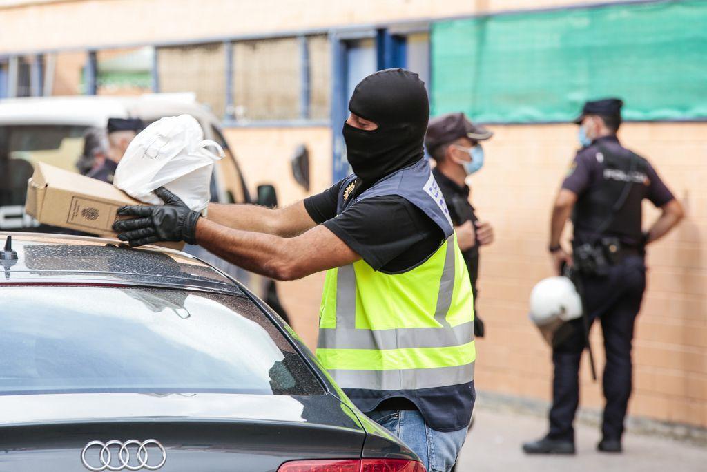 Intervención policial. Menudeo, gallos y tortugas en Ministriles, Lorca-3598.jpg