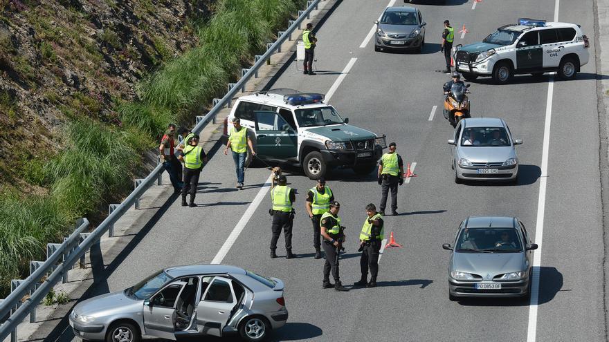 Detenido un hombre tras intentar parar varios coches en la Autovía do Salnés