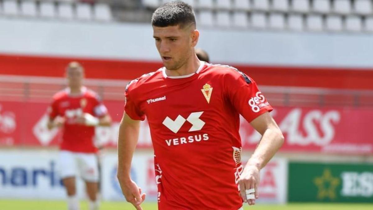 Alberto Toril, que no seguirá como grana, durante un partido.