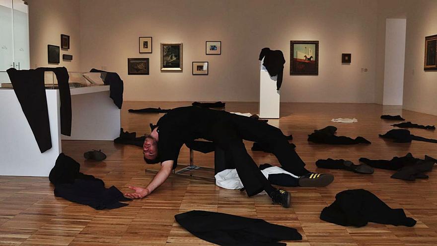 El artista Richard Mascherin presenta en TEA su proyecto 'Caer, caer, caer'