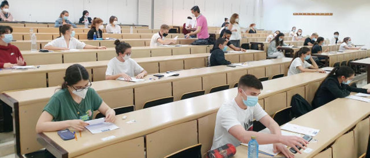 Notas ABAU A Coruña y Galicia | Casi el 88% de los alumnos aprueba selectividad