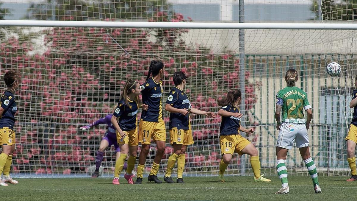 Imatge del partit entre el Betis i el Deportivo de la Lliga Iberdrola