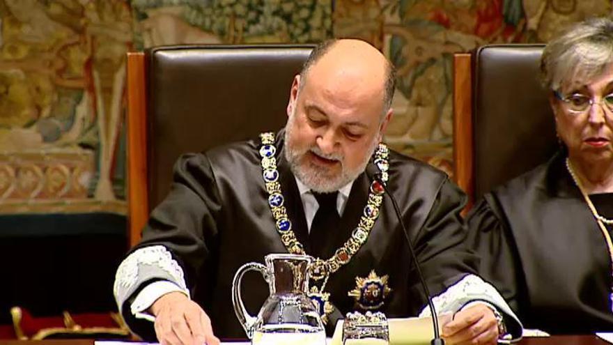 Pérez de los Cobos reconoce que el TC no puede solucionar el problema catalán