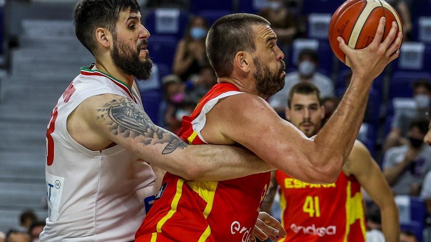 España afina su defensa en una victoria fácil sobre Irán