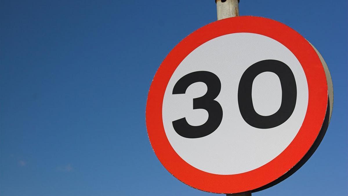 Límite velocidad 30 km hora