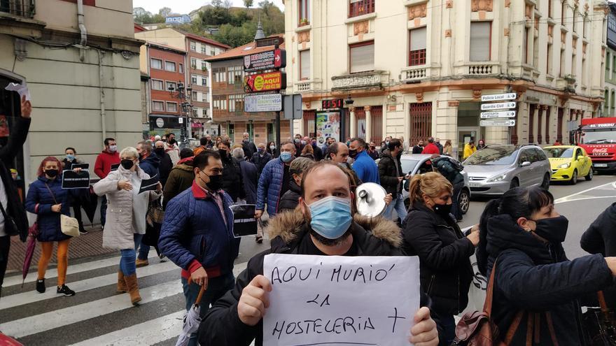 Protestas hosteleros en Langreo
