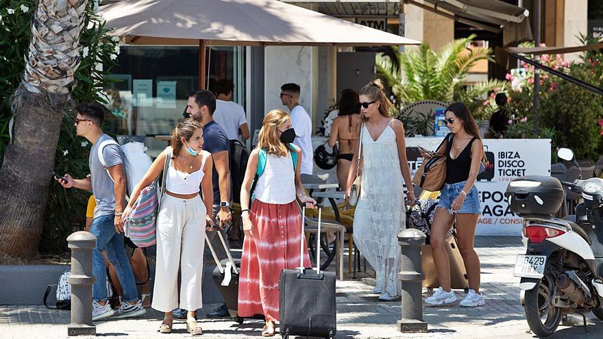 Salud: «Ibiza no ha llegado aún al pico máximo de contagios»