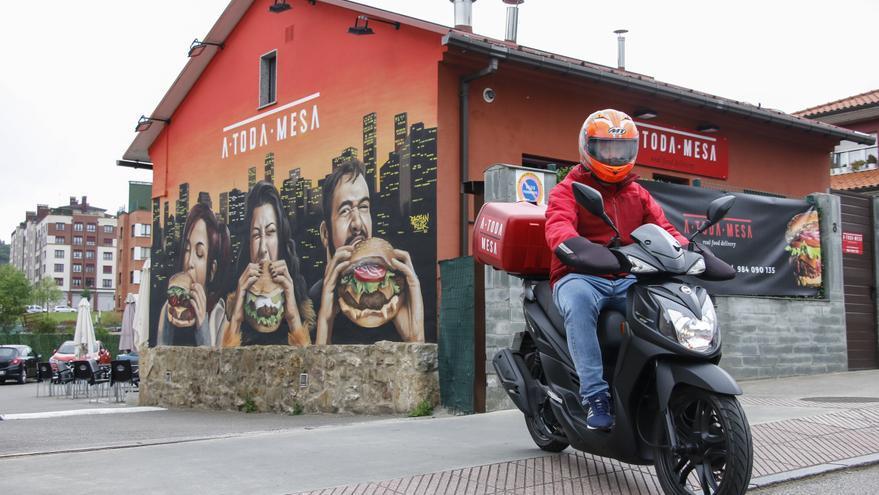A toda mesa: el restaurante de comida a domicilio de moda en Oviedo que deberías conocer