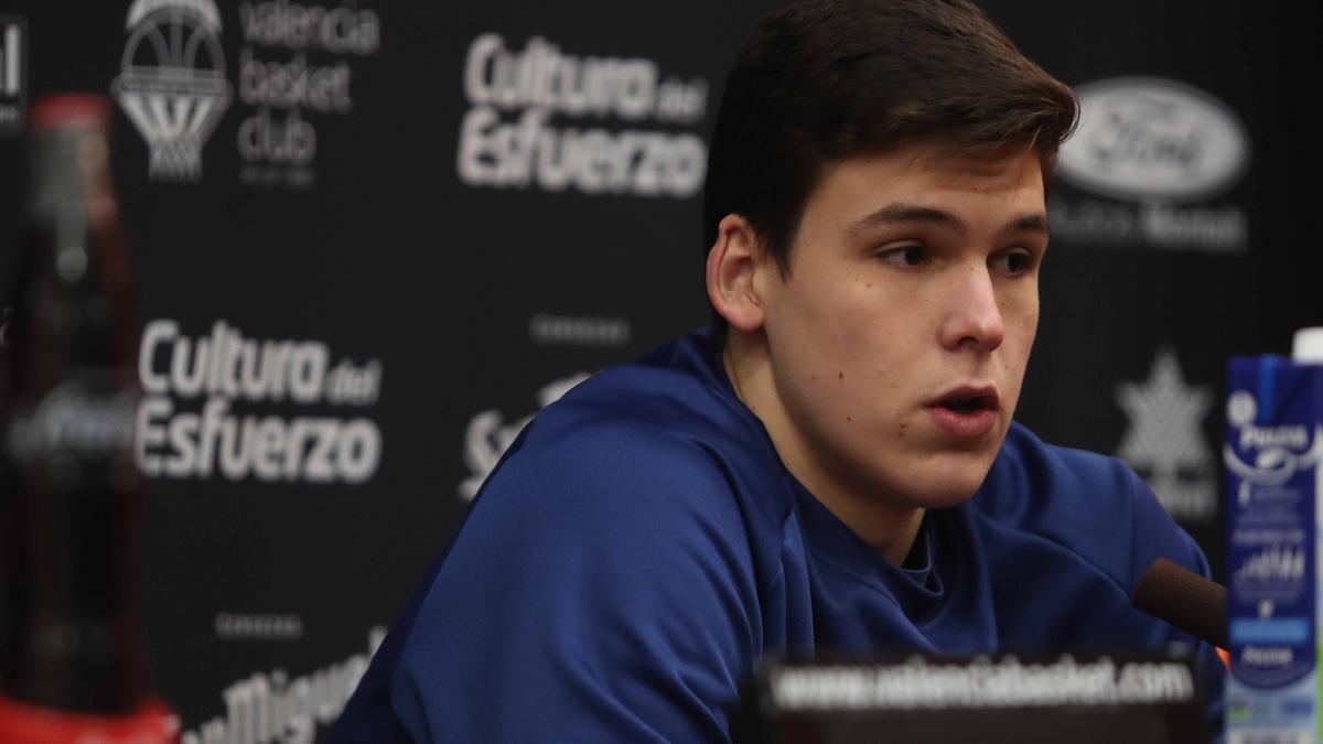 Jaime Pradilla, jugador de 20 años de Valencia Basket