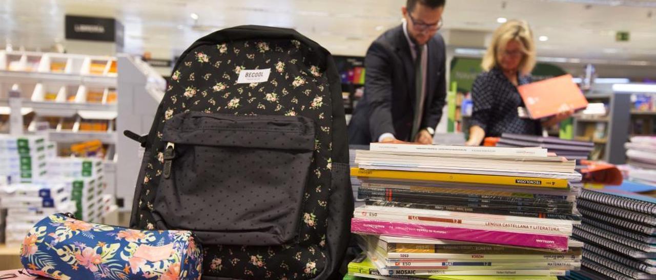 El 2% de los escolares sufre desviación de columna por el peso de la mochila