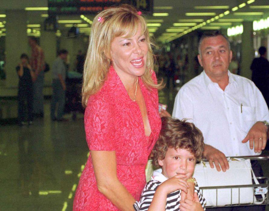 Ana Obregón y Álex Lequio llegando a Mallorca.