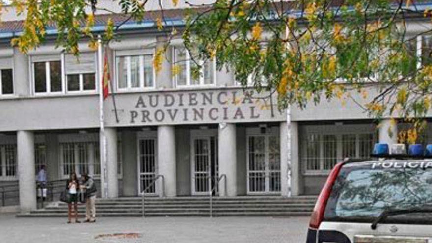 Condenan a quince años de cárcel a un hombre por violar a su hijo de forma continuada en A Coruña
