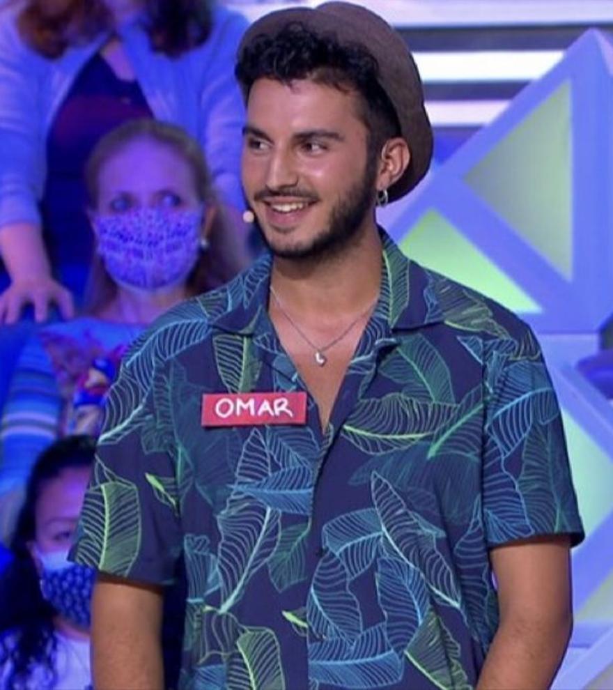 """Jorge Fernández, sonrojado por las intenciones de un concursante de 'La ruleta de la suerte': """"Me pones mucho"""""""