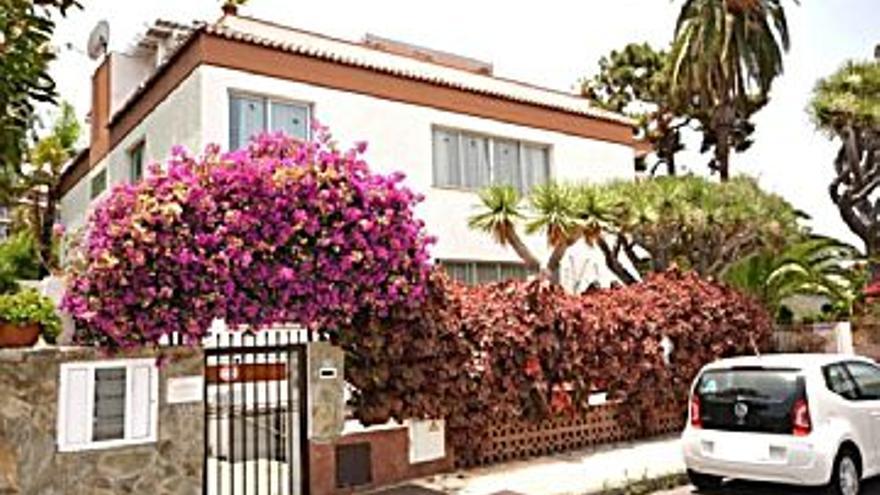110.500 € Venta de piso en Puerto de la Cruz, 2 habitaciones, 1 baño...
