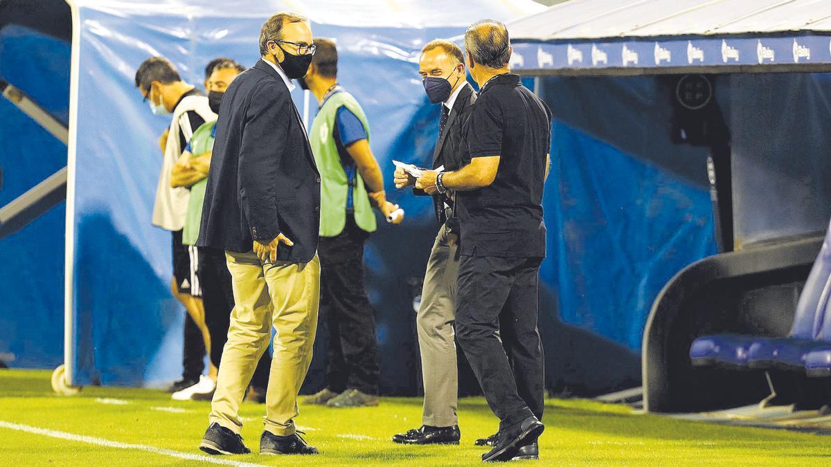 Sainz de Varanda y Lapetra, junto a JIM antes de un partido.