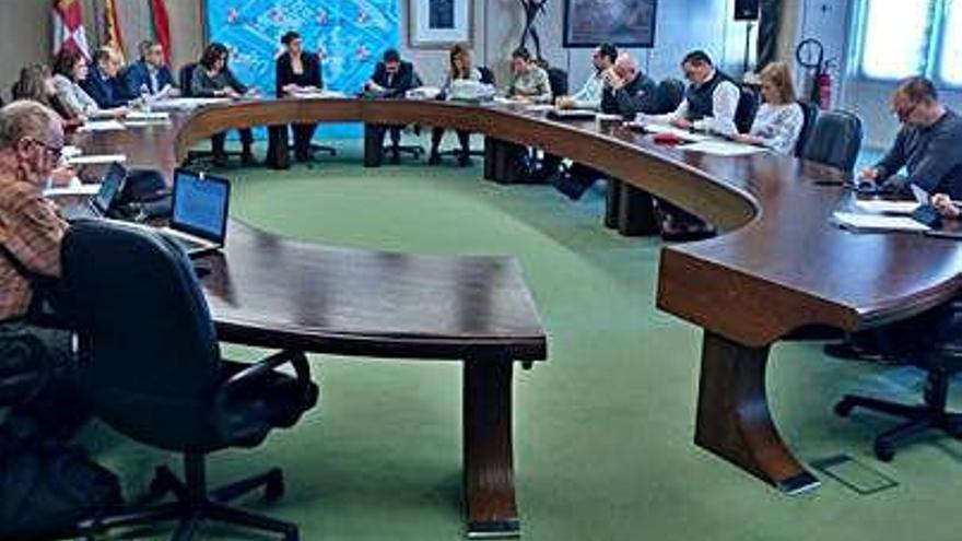 Reunión de la Comisión de Urbanismo y Medio Ambiente, ayer.